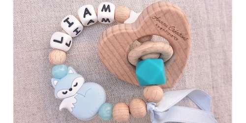 Hochets et anneaux d'éveil et de dentition naturels en bois, tissu et silicone